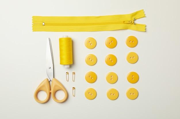 Żółte materiały do szycia