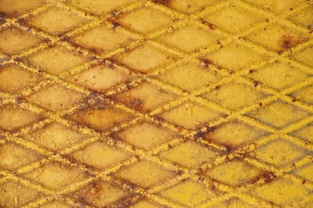 Żółte ściany żelaza
