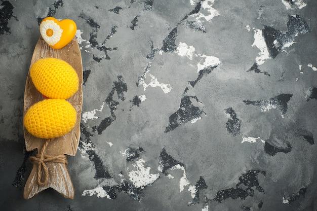 Żółte szydełkowane pisanki
