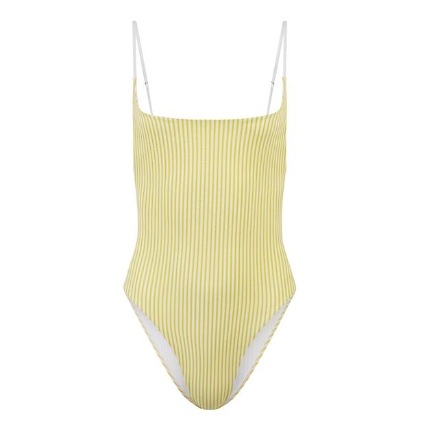 Żółty jednoczęściowy strój kąpielowy na białym tle