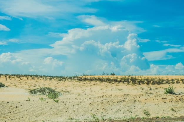 Żółty piasek na pustyni, mui ne, wietnam