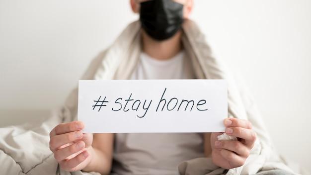 Zostań w domu i bądź bezpieczny średni widok