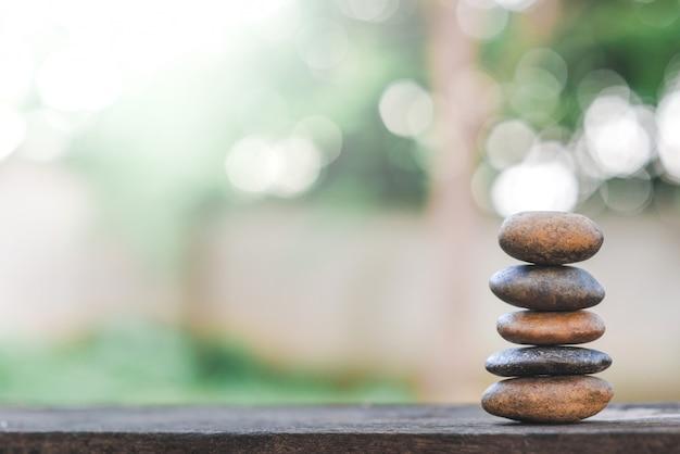 Zrównoważone kamienie