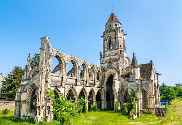 Zrujnowany kościół saint-etienne-le-vieux w caen, departament calvados we francji