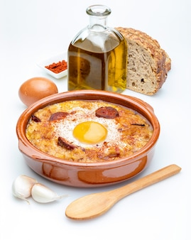 Zupa czosnkowo-chlebowa (hiszpańska, z hiszpanii). odosobniony