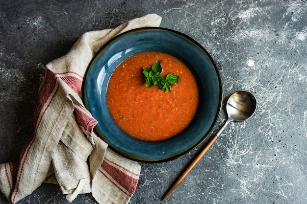 Zupa krem pomidorowy z oregano