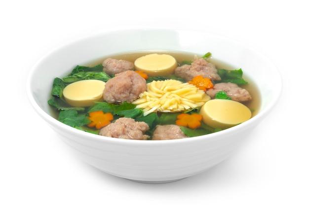 Zupa z tykwy bluszczowej z tofu jajecznym i mieloną wieprzowiną