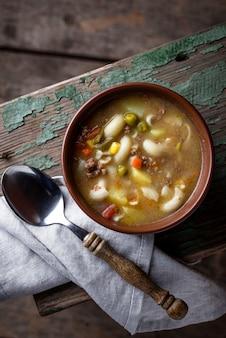 Zupa z warzywami i mielonym mięsem
