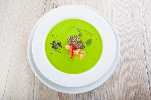 Zupa z zielonego groszku z dojrzałego groszku vie