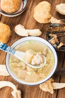 Zupy żeberka wieprzowe