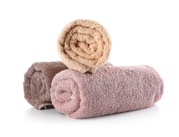 Zwinięte czyste ręczniki
