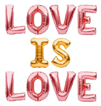 Zwrot love is love wykonany z nadmuchiwanych złotych i różowych balonów.