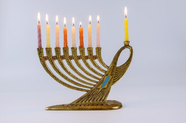 Żydowski festiwal światła święto chanuka menora chanuka