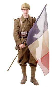 1940 soldado francés con una bandera