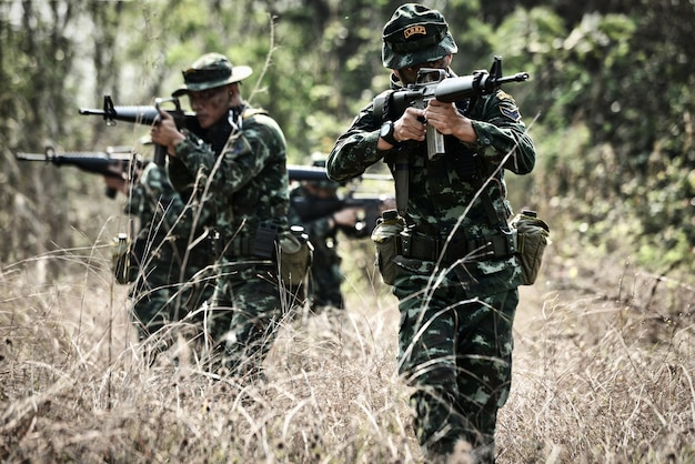24 de marzo de 2018, amphoe lom sak, tailandia; los militares tailandeses participaron en un combate especial o