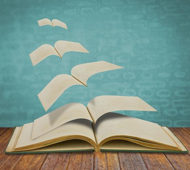 Abierto volando libros antiguos