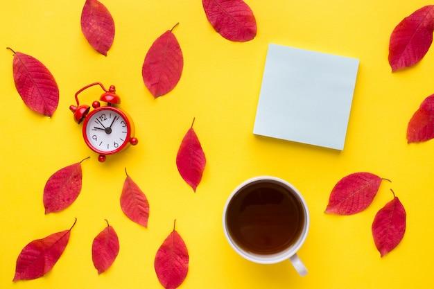 La abstracción, el concepto de otoño.