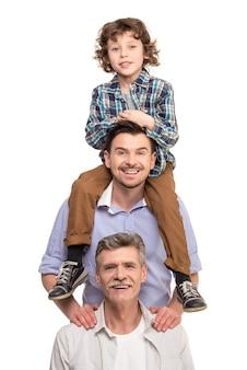Abuelo padre e hijo