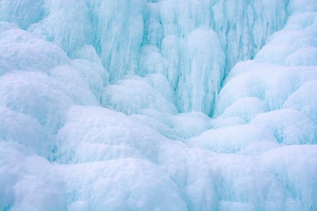 Acantilado de hielo en el lago baikal, rusia