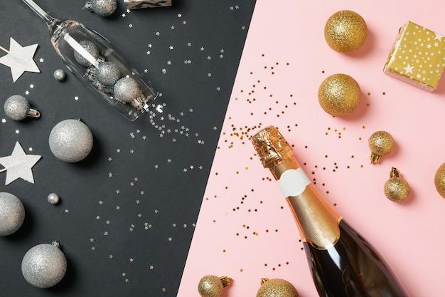 Accesorios de año nuevo y botella de champagne
