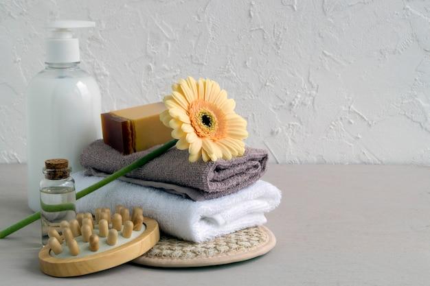 Accesorios para el cuidado del cuerpo y el cabello.