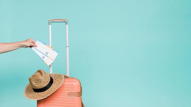 Accesorios de mano de cultivo y viajero.