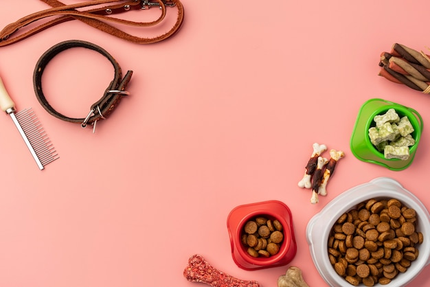 Accesorios para mascotas y comida seca