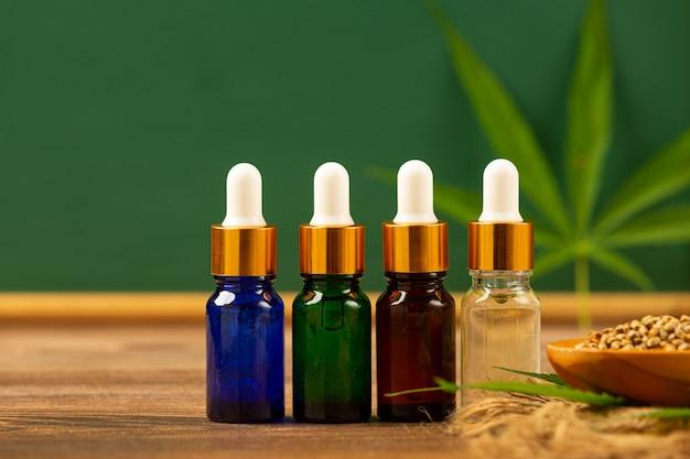 Aceite de cáñamo de semillas y hojas de cáñamo marihuana medicinal.
