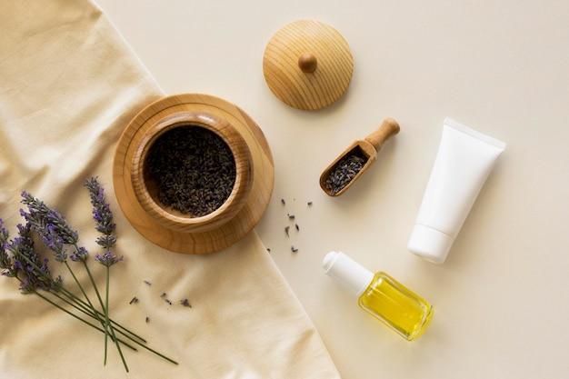 Aceites planos laicos y concepto de spa de belleza y salud en crema