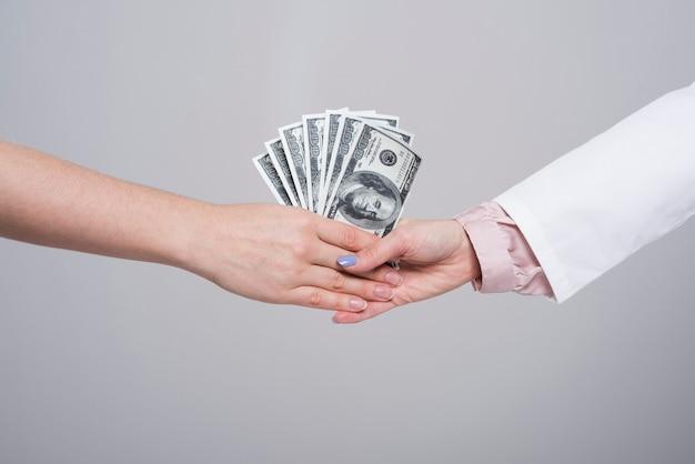 Aceptar sobornos es un crimen