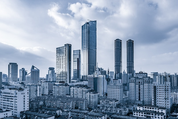 Acero negocio de la construcción urbana de observación