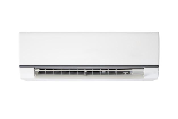 Acondicionador de aire aislado en superficie blanca