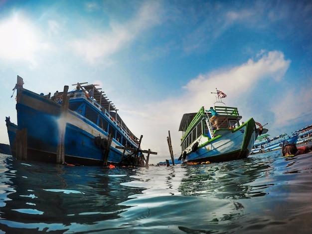 Actividad de snorkel yacht sea ocean