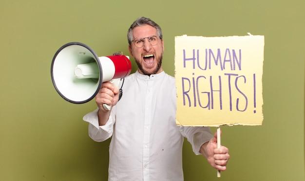 Activista hombre de mediana edad. concepto de derechos humanos