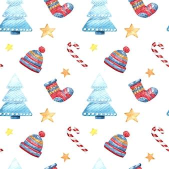 Acuarela de patrones sin fisuras con árbol de navidad, calcetines, sombrero y estrellas sobre un fondo blanco.