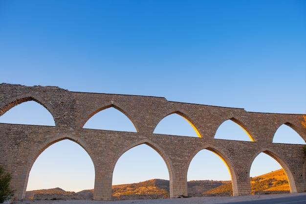 Acueducto de morella en castellon maestrazgo en españa
