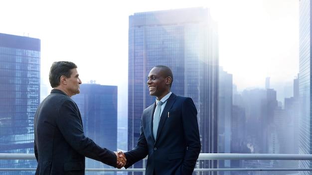 Acuerdo de negocios apretón de manos