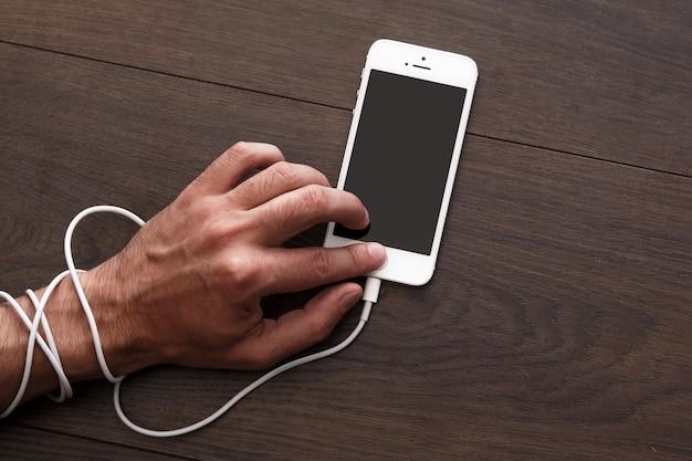 Adicción a teléfonos inteligentes y redes sociales