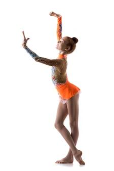 Adolescente bailarina niña bailando