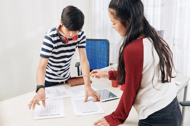 Adolescentes, planificación, trabajo, proyecto