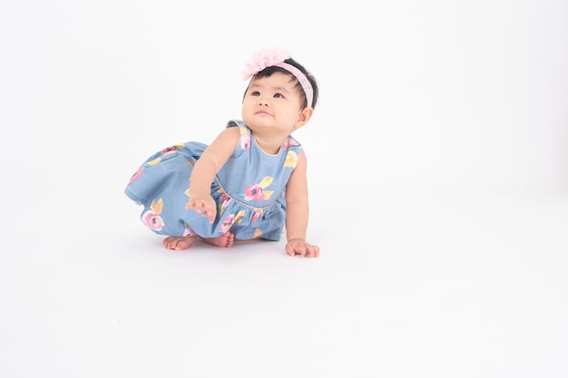 Adorable niña asiática