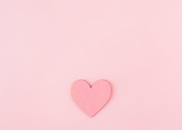 Adorno de papel simbolo de corazon