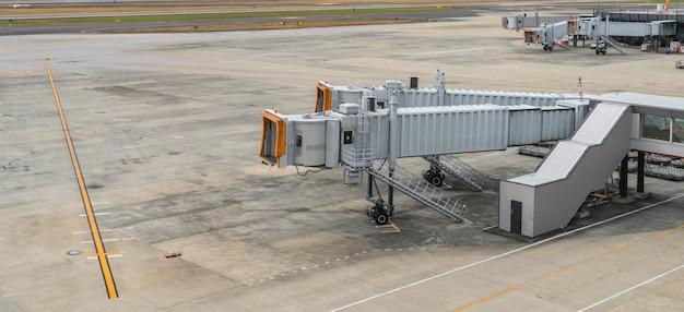 Aeropuerto puerta de la terminal de embarque.