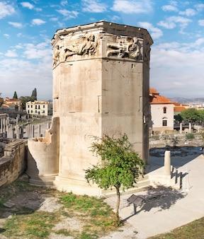 Ágora romana, torre de los vientos en atenas, grecia