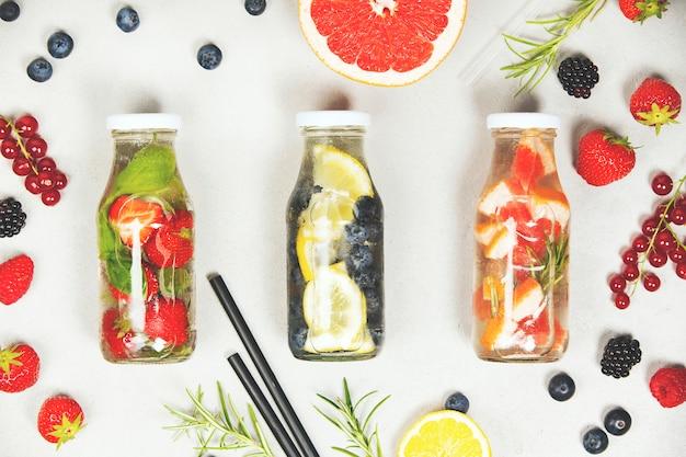 Agua aromatizada con infusión de frutas de desintoxicación