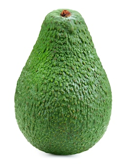 Aguacate verde maduro, aislado sobre fondo blanco. aguacate
