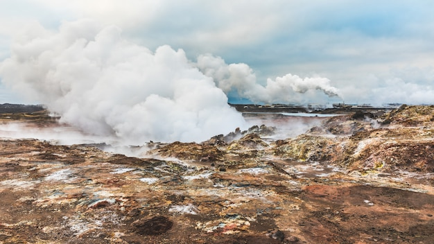 Aguas termales de gunnuhver en islandia