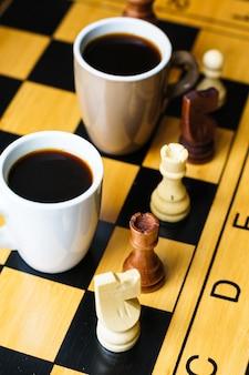 Ajedrez y cafe