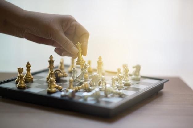 Ajedrez, competición de ajedrez, ganar en ajedrez, juego de victoria de competición.