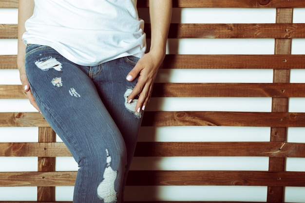 Ajuste trasero femenino en jeans